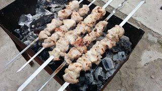 Как приготовить шашлык из свинины в лучшем маринаде(Как приготовить шашлык из свинины в лучшем маринаде Друзья если вы любите коптить рыбку или сало, вам будет..., 2015-09-21T08:00:00.000Z)