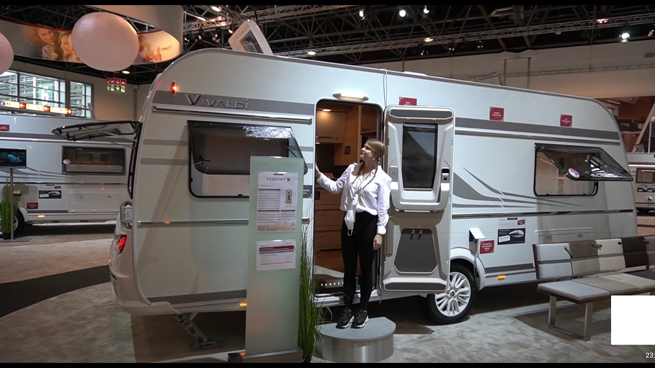 Wie im Hotel: Wohnwagen Tabbert Vivaldi 550 E 2,5 2021 auf dem Caravan Salon 2020 Düsseldorf.