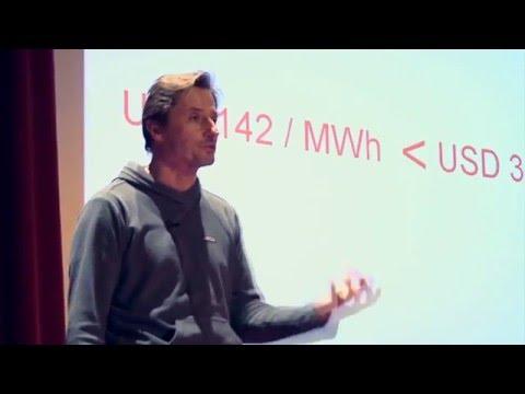 El panel solar ya es negocio | Rodrigo Herrera Vegas | TEDxUADE