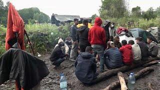 Афганские беженцы, сумевшие попасть в Белоруссию, прорываются в Польшу.