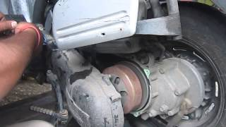 How to Remove Honda Dio left side casing l  Centrifugal Clutch Assembly