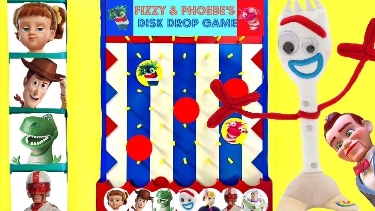 Forky de Toy Story 4 Juega al Juego de los Discos de Fizzy y Phoebe