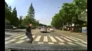 Хотел подставить водителя. Видеорегистратор. device-avto.ru