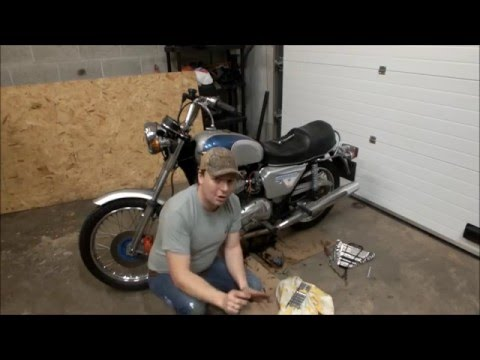 Triumph Bonneville T140 Valve Clearance adjustment - YouTube