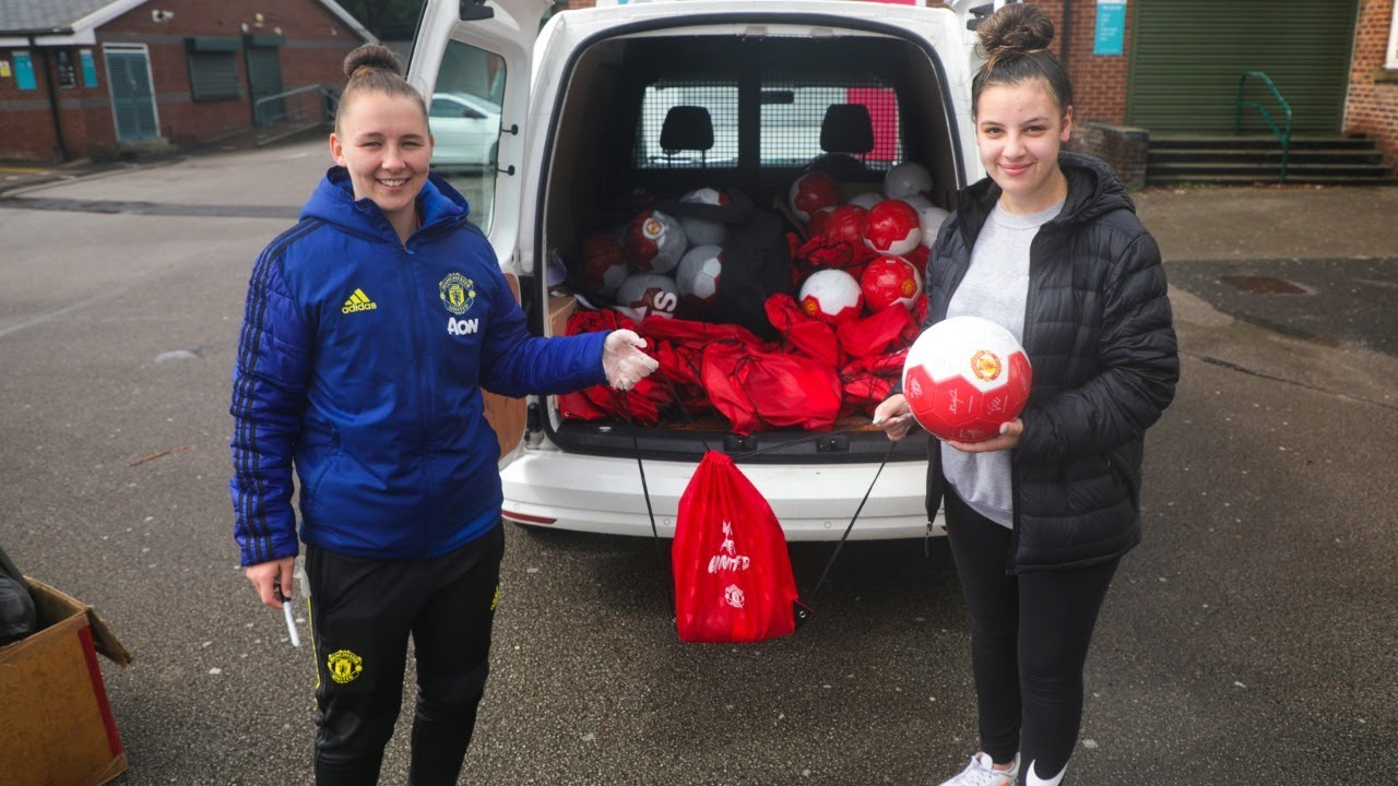 Manchester United Foundation donates footballs to Street Reds participants