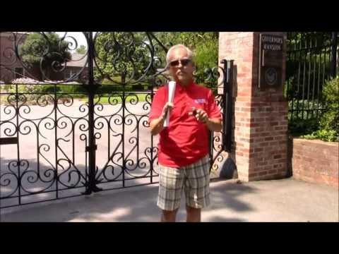 Roger visits the Arkansas Governor's Mansion