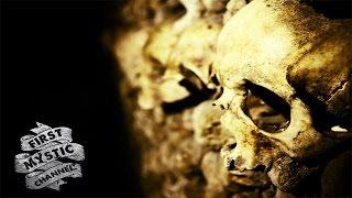 Страшное видео, найденное в катакомбах Парижа | Первый Мистический(Телеканал ABS Family рассказал своим зрителям о странной камере, найденной в глубине катакомб Парижа. На видео..., 2016-04-27T16:00:00.000Z)