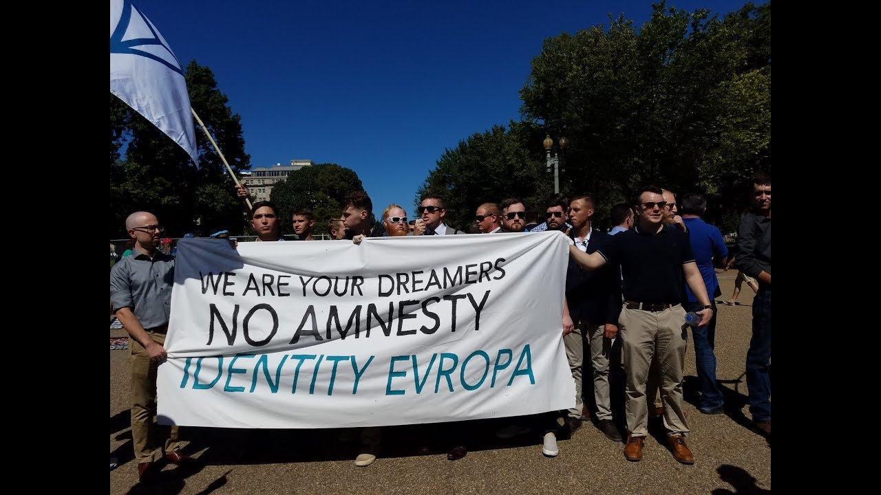 Richard spencer white house - Richard Spencer Protests Daca Outside Whitehouse