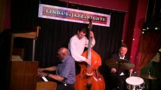 "Joe Farnsworth Quartet plays ""Straight Street"" - Linda"