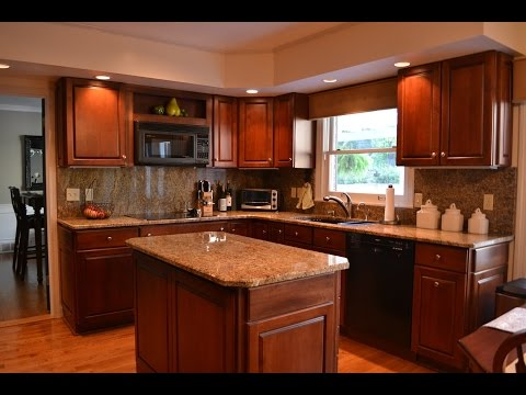 l-shaped-kitchen-with-island-and-corner-pantry