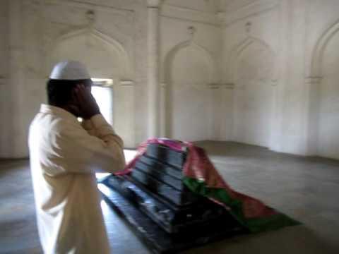 Echo @ Qutub Shahi Tombs Part 1