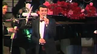 Свадьба. Поёт Муслим Магомаев.