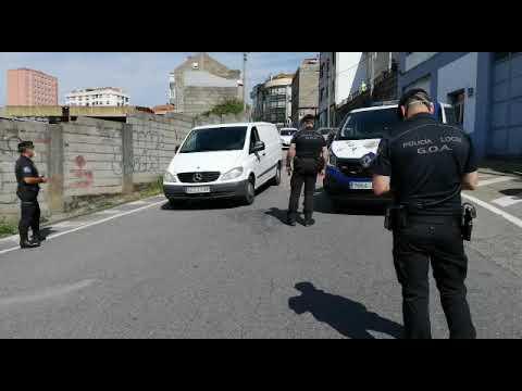 Control de la Policía viguesa en Guixar