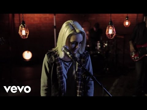 Bea Miller - Enemy Fire (Live from Serenity Studios)