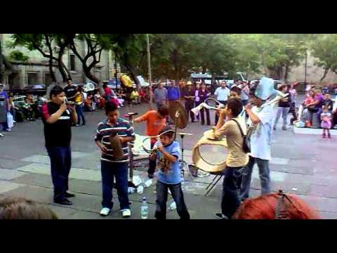 Música reciclada - Grandes músicos estos chavitos en Guadalajara  Jalisco