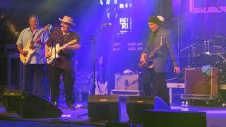Sugar Ray Norcia & The Bluetones feat. Duke Robillard, Little Charlie Baty, Greg Piccolo
