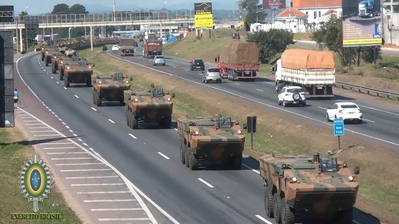 Mega comboio de Blindados do Exército Brasileiro em Curitiba