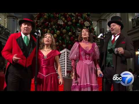 Mick Lee - Macy's on State Street Celebrates their 111th annual 'Great Tree Lighting'
