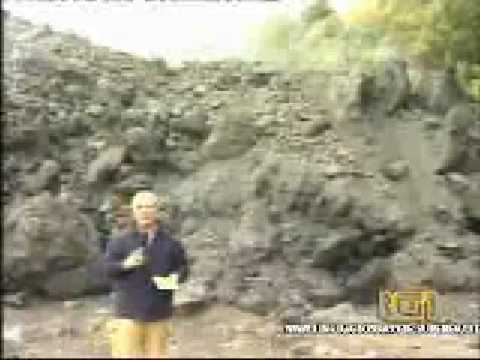 Servizio del TG1 sull'eruzione  dell'etna del 2002 che minacciava Linguaglossa