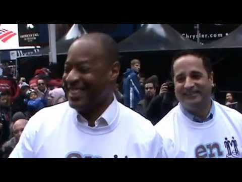 Best Proposal Ever!!! Joe's proposal to Thos in Times Square 3-24-13 (Raw Video)
