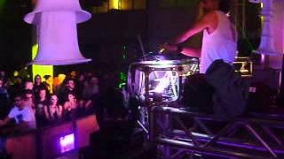 MAX Lanfranconi-electropunks xmas event!