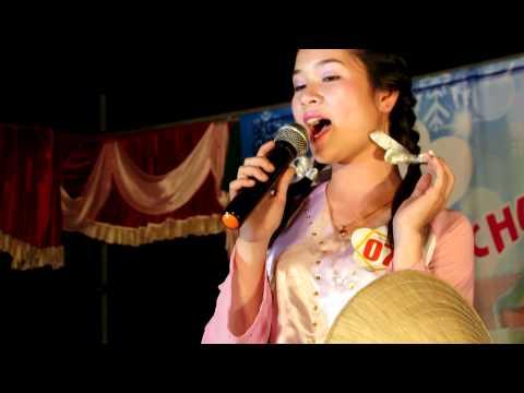 Thi năng khiếu của thí sinh Hồ Thị Trang Trang 10B2 005.MOV
