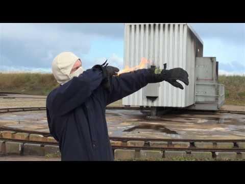 """Training """"Brand op de man""""   bij de SCBRNDCBV Koninklijke Marine"""