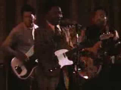 Muddy Waters - Mannish Boy (LYRICS + FULL SONG)