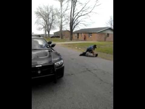 Police handles thug in rolling fork Mississippi. N
