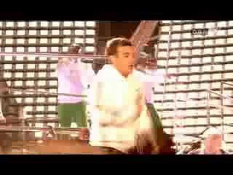 Robbie Williams  Let Me Entertain You Leeds
