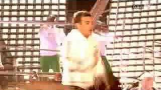 Robbie Williams - Let Me Entertain You (Leeds)