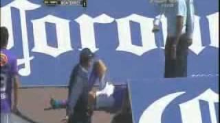 Caida de Nery Cardozo! Pumas vs Mty [enero 2011]