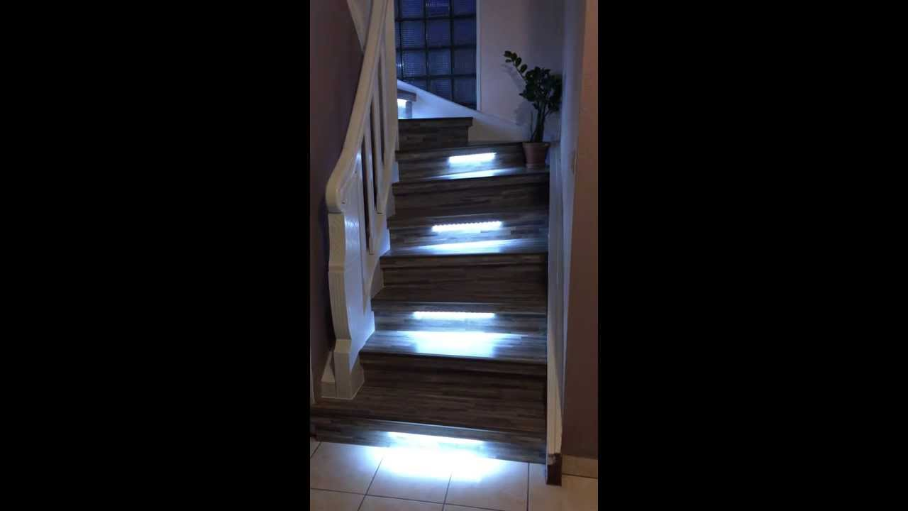 r novation escalier bois avec eclairage leds maytop youtube. Black Bedroom Furniture Sets. Home Design Ideas