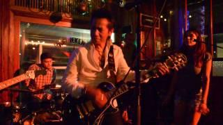 Shaky Ground - The Sixstringer ft. Fallon
