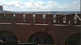 Со стен Нижегородского кремля сорвало крышу