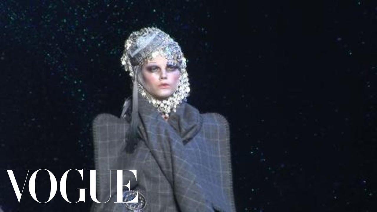 36ce126eee Fashion Show - John Galliano  Fall 2009 Ready-to-Wear - YouTube