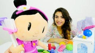 #Eğiticivideo çizgi film oyuncakları ile çocuk oyunları Şila ile oda temizliyoruz!