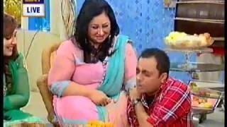 Video Fat aunty seducing Laundry wala download MP3, 3GP, MP4, WEBM, AVI, FLV Juli 2018