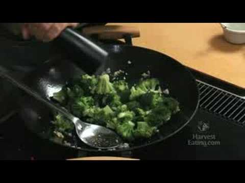 Video Recipe: Broccoli Stir Fry