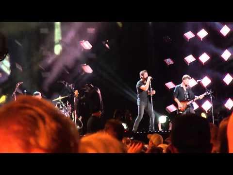 "Thomas Rhett, ""Crash and Burn"", CMA Fest 2015"