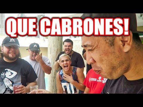 Coreano probando Pitorro de Puerto Rico