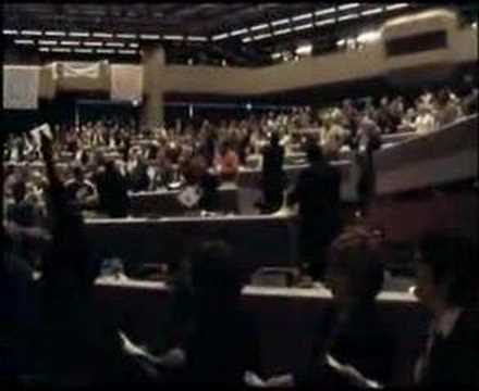 "IUF 25th Congress adjourns; singing of ""The Internationale"""