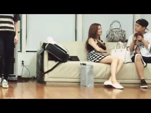 SNSD Seohyun & F(x) Amber @Hyoyeon rehearsal SM Town Solo Dance