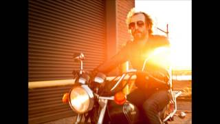 Phosphorescent - Right Now I Am A-Roaming
