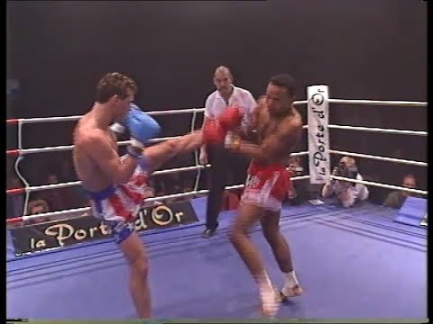 Muay thai fight Brian Peters v Polverack