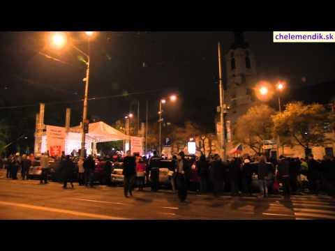 Голубиный словацкий майдан выдавливает партию власти Смер