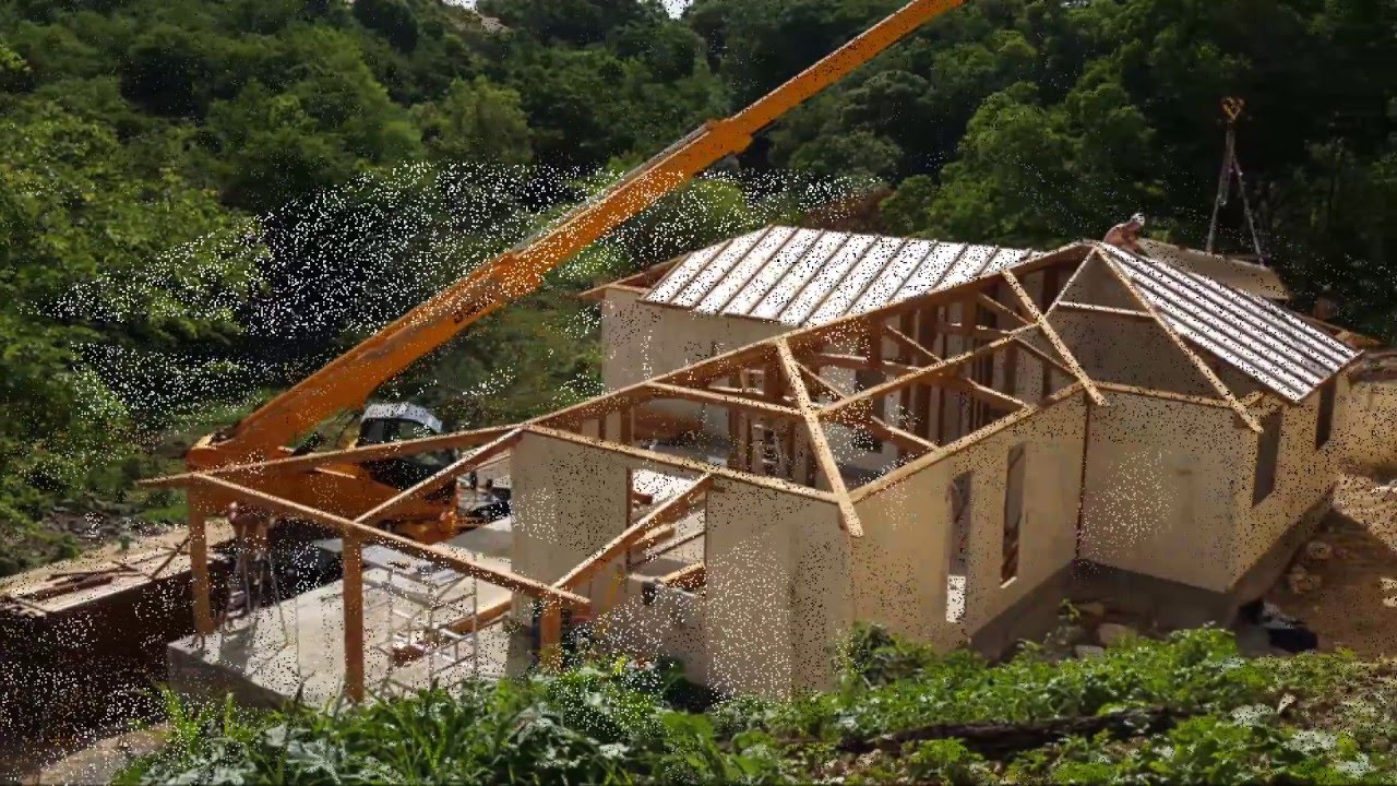 Construction maison bois en 1 mois youtube for Construction en bois herault