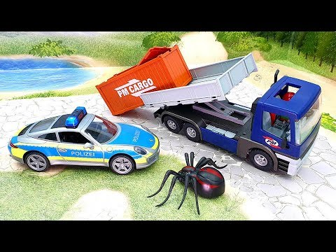 Видео про машины - полицейский автомобиль грузовик мотоцикл и паук - Неожиданные приключения!