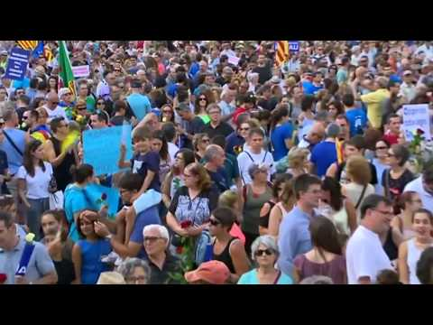 Tens of thousands attend march against fear in Barcelona