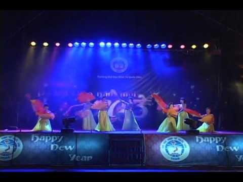 Dạ Hội Chào Năm Mới NEU 2012 - Múa Sắc Xuân